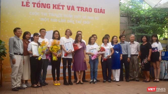 """Nguyễn Ngọc Tư trao giải """"Một nửa làm đầy thế giới"""" ảnh 4"""