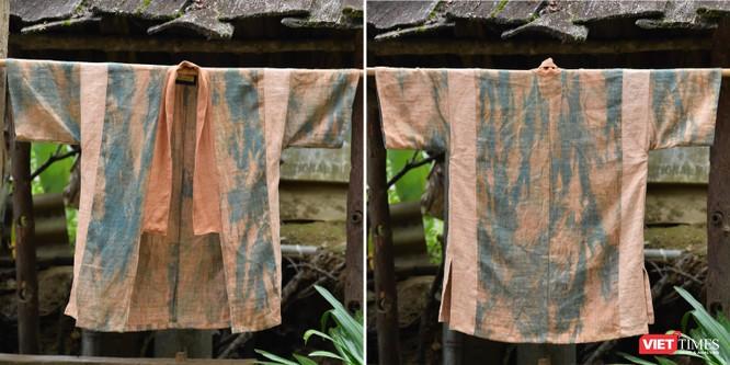 Với kỹ thuật nhuộm chồng lớp bởi củ nâu và màu chàm, những tấm vải cho màu sắc phong phú hơn