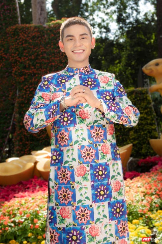 Áo dài xuân của NTK Việt Hùng tung bay đón Tết Canh Tý 2020 ảnh 16