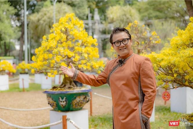Áo dài xuân của NTK Việt Hùng tung bay đón Tết Canh Tý 2020 ảnh 2