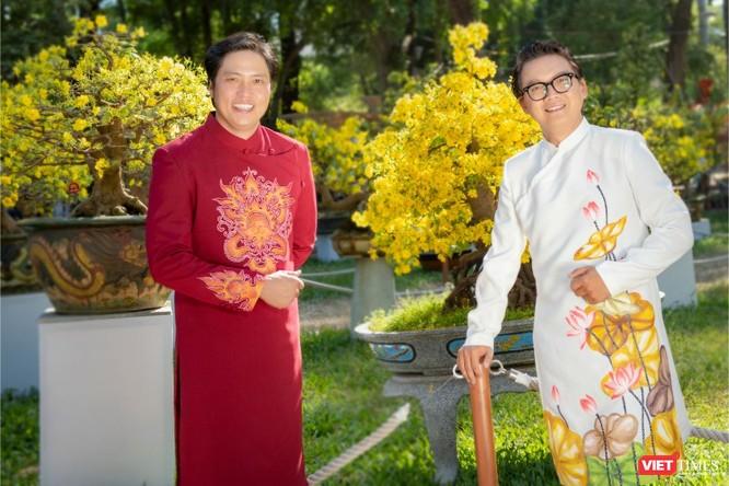 Áo dài xuân của NTK Việt Hùng tung bay đón Tết Canh Tý 2020 ảnh 8