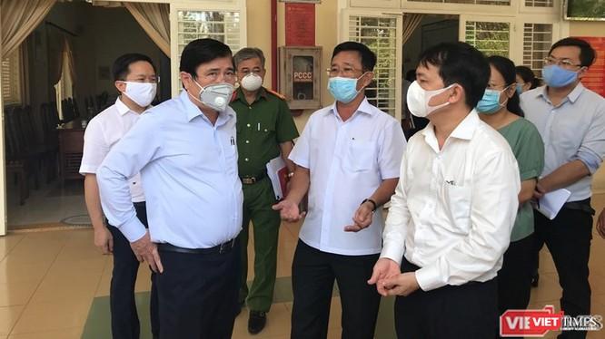 Chủ tịch UBND TP.HCM Nguyễn Thành Phong chỉ đạo các quận phòng, chống dịch