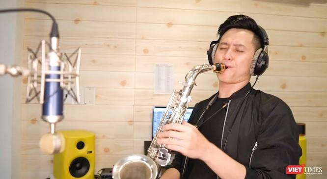Saxphone Hoàng Thi
