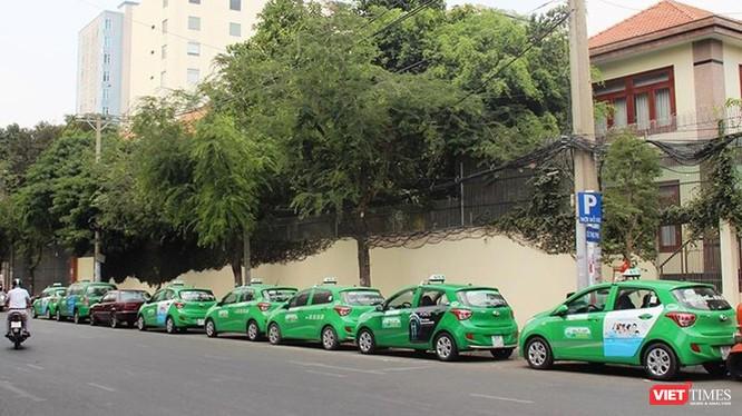 TP.HCM tiếp tục miễn phí 200 xe taxi vận chuyển người bệnh ảnh 1