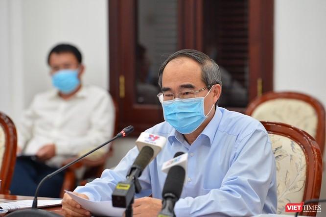 Bí thư Nguyễn Thiện Nhân tại cuộc họp phòng, chống COVID-19 (Ảnh: Việt Dũng)
