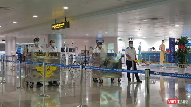 Kiểm dịch y tế quốc tế tại sân bay TSN sẵn sàng đón người nhập cảnh (Ảnh: TTKDQT)