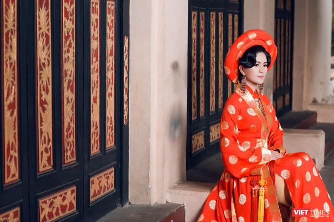 Diễn viên điện ảnh Thùy Trang lộng lẫy, bí ẩn, đầy thần thái ảnh 1
