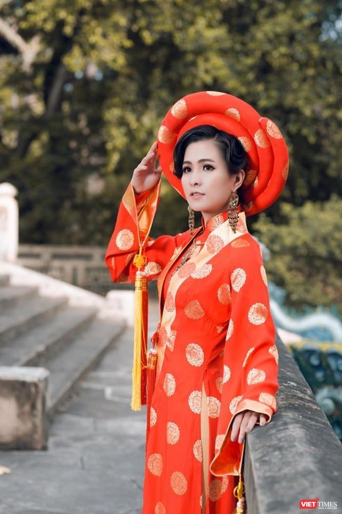 Diễn viên điện ảnh Thùy Trang lộng lẫy, bí ẩn, đầy thần thái ảnh 2
