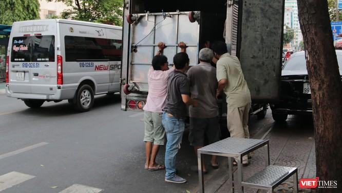 """Vận chuyển lắp đặt """"ATM gạo"""" về nhiều tỉnh có người lao động nghèo cần giúp đỡ"""
