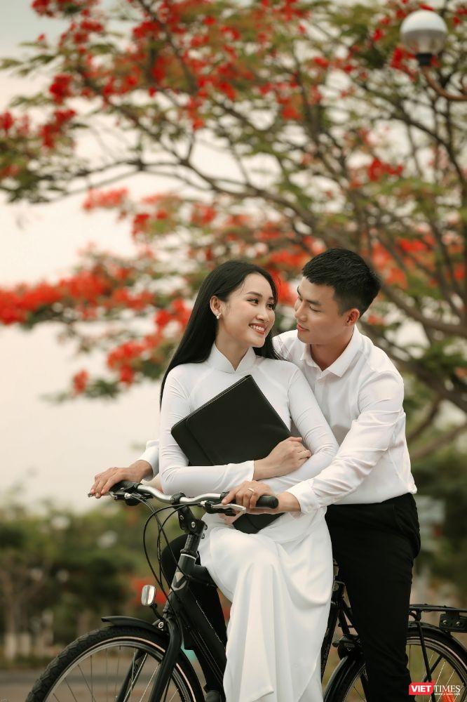 Áo trắng chào hè, tháng 5 sân trường rực màu hoa phượng ảnh 4
