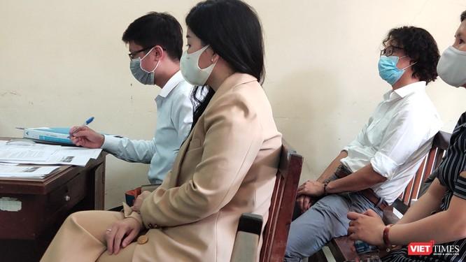 Căng thẳng xét xử vụ Bệnh viện FV kiện bệnh nhân đòi bồi thường hơn 1,3 tỷ đồng ảnh 3