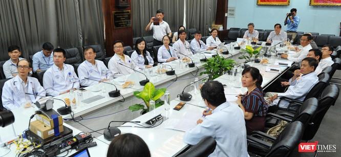 Các BS có mặt tại cuộc hội chẩn online đầu cầu Chợ Rẫy (Ảnh: Nguyễn Á)