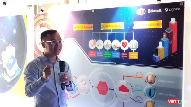 Ông Hồ Quỳnh Hưng, Chủ tịch HĐQT, TGĐ công ty Điện Quang nói về ứng dụng 4.0 trong sản xuất (Ảnh: Hòa Bình)