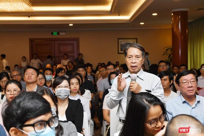 Dịch giả Trần Văn Thuận nhận giải Sách hay 2020 với việc chuyển ngữ cuốn