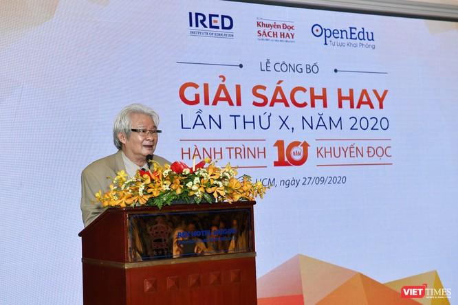 Nhà nghiên cứu triết học Bùi Văn Nam Sơn phát biểu khai mạc