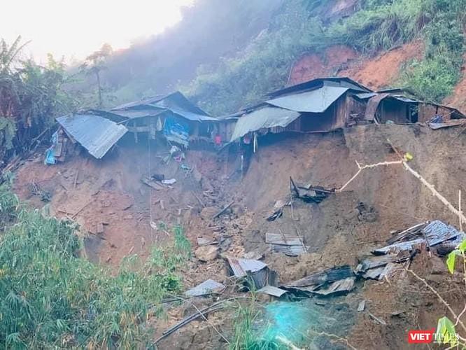Hình ảnh hiện trường tan hoang vụ sạt lở Phước Lộc – Phước Sơn vùi lấp 11 người ảnh 1