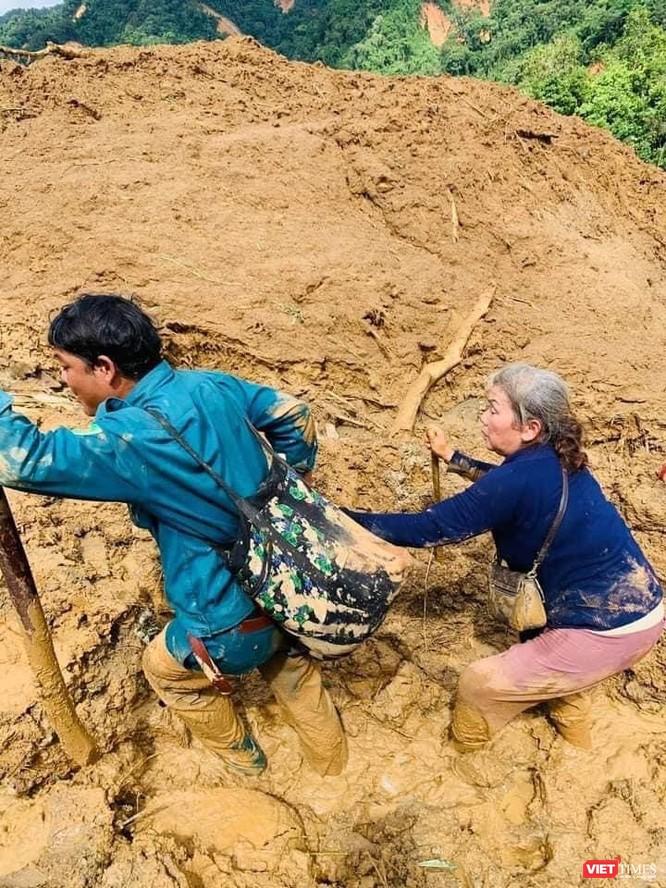 Hình ảnh hiện trường tan hoang vụ sạt lở Phước Lộc – Phước Sơn vùi lấp 11 người ảnh 2