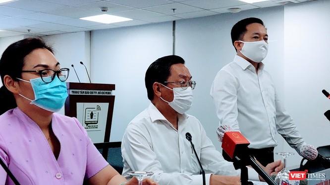 TP.HCM: Sẽ xử nghiêm tiếp viên Vietnam Airlines làm lây lan COVID-19 ra cộng đồng ảnh 1