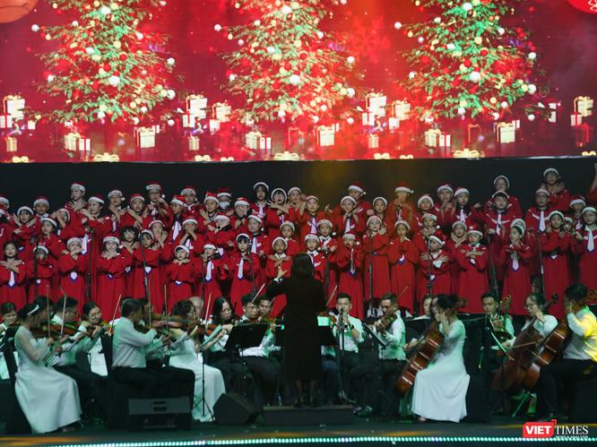 Sau bữa tiệc âm nhạc yêu thương, BTC trao tặng 1 tỉ đồng thiện nguyện ảnh 3