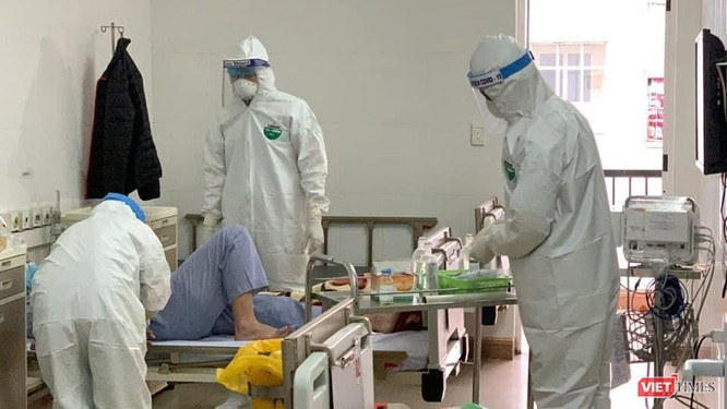 """Bác sĩ Bạch Mai và hành trình dài chiến đấu tại """"điểm nóng"""" COVID-19 ảnh 2"""