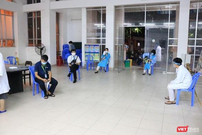 Phong toả khu dân cư 2.000 người, tiếp tục xét nghiệm 7.300 nhân viên sân bay Tân Sơn Nhất ảnh 1