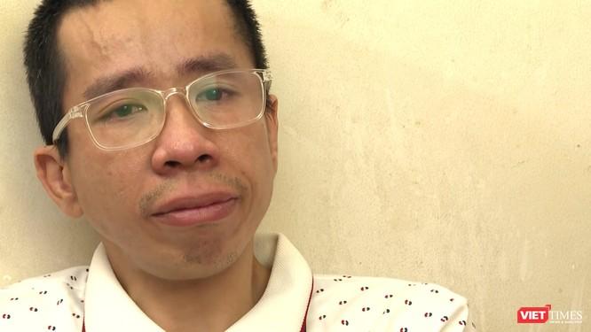 Cuộc sống kiên cường sống sót của anh Đức sau 30 năm mổ tách cặp song sinh Việt - Đức ảnh 3