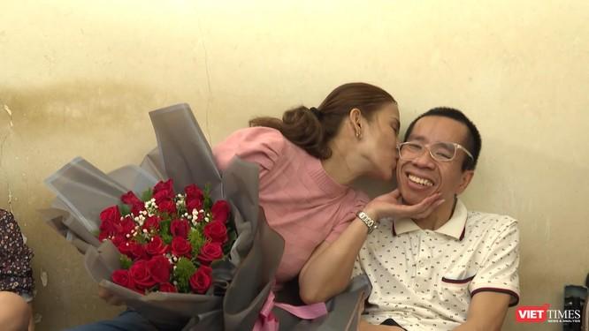 Cuộc sống kiên cường sống sót của anh Đức sau 30 năm mổ tách cặp song sinh Việt - Đức ảnh 4