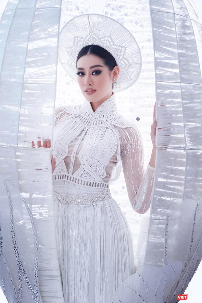 Hoa hậu Khánh Vân đại diện VN sang Mỹ chinh phục Miss Universe lần thứ 69 ảnh 2
