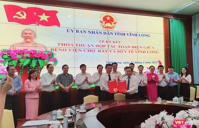 Bộ trưởng Bộ Y tế khẳng định giúp Vĩnh Long nâng cao năng lực xét nghiệm COVID-19 ảnh 2