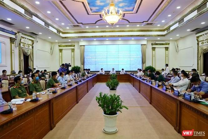 Phó Thủ tướng nhấn mạnh TP.HCM coi như có dịch, kích hoạt toàn bộ hệ thống phòng, chống COVID-19 ảnh 2