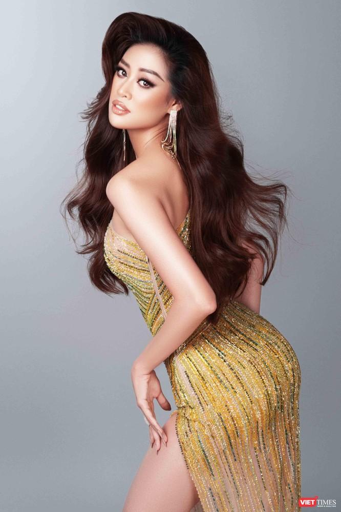 Hoa hậu Khánh Vân khoe dáng nõn nà trước thềm bán kết Miss Universe ảnh 1
