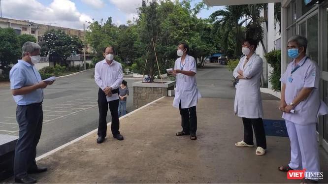 Giám đốc BV Bệnh Nhiệt đới TP.HCM: Đã tiêm vaccine COVID-19, nếu nhiễm cũng không nặng ảnh 1