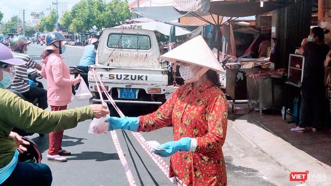 Trên 2.000 BN, TP.HCM phong toả nhiều chợ, ngưng hoạt động chợ tự phát ảnh 2