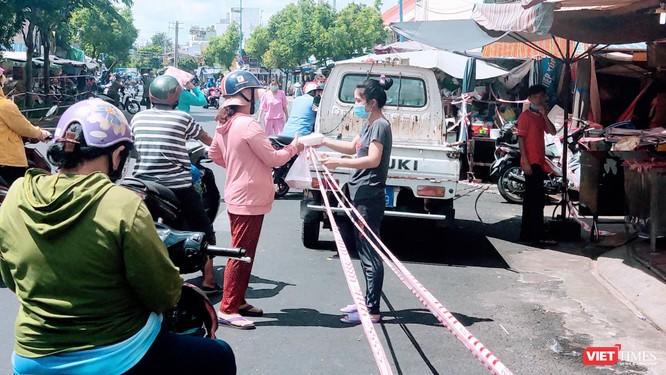 Trên 2.000 BN, TP.HCM phong toả nhiều chợ, ngưng hoạt động chợ tự phát ảnh 1