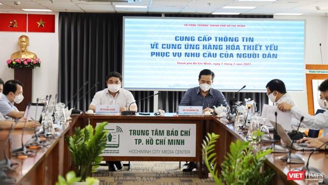 TP.HCM: Người dân vét sạch nhiều siêu thị vì mua online không khả thi ảnh 2