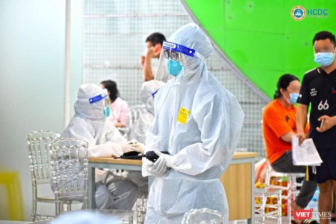 TP.HCM: Hàng ngàn bệnh nhân COVID-19 được xuất viện mỗi ngày ảnh 1