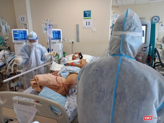 Điều trị COVID-19 từ xa: Bác sĩ BV Chợ Rẫy nói về việc đưa thuốc đặc trị Molnupiravir đến tay F0 ảnh 2