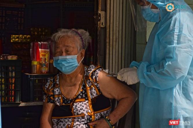 Yêu cầu TP.HCM, Bình Dương, Đồng Nai, Long An báo cáo tiến độ tiêm vaccine ảnh 1