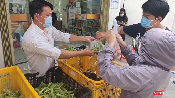 Nông dân trở thành nhà bán hàng số, đưa nông sản tới vùng dịch TP.HCM ảnh 1
