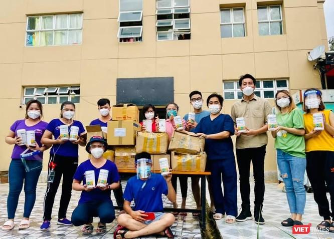 Ca sĩ Nguyễn Phi Hùng xúc động nhắc đến hành trình hát cổ động tại các bệnh viện dã chiến ảnh 4