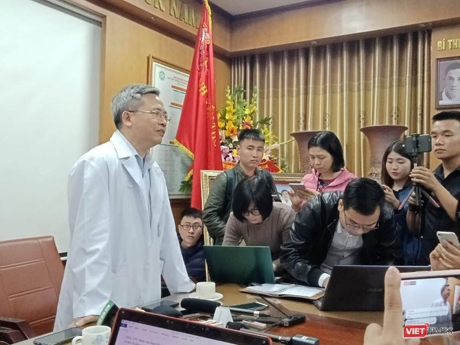 GS.TS Phạm Minh Thông trả lời phỏng vấn của báo chí