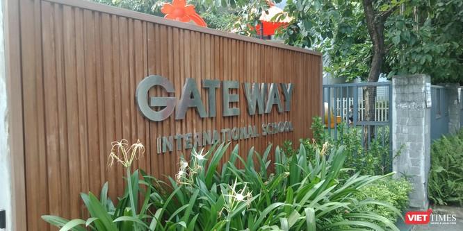 """Vụ cháu bé tử vong trên xe ô tô đưa đón của Trường Tiểu học Gateway: Nhà trường tự gắn mác """"quốc tế"""" ảnh 2"""