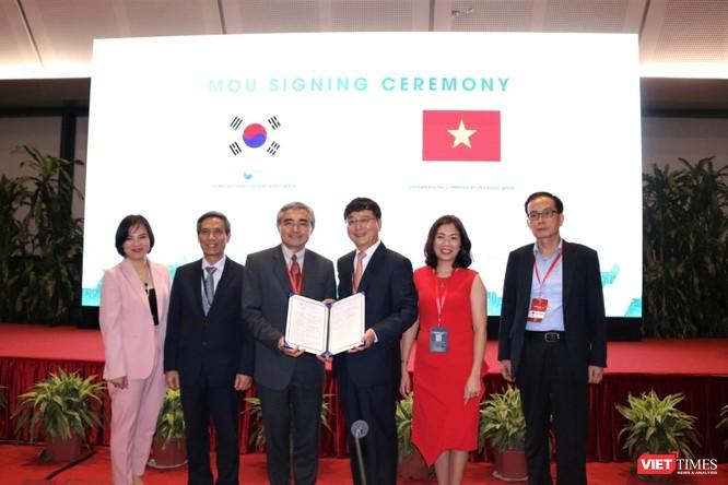 Hội Truyền thông số Việt Nam và Hiệp hội Phần mềm Hàn Quốc ký kết bản ghi nhớ thúc đẩy quan hệ hợp tác ảnh 2