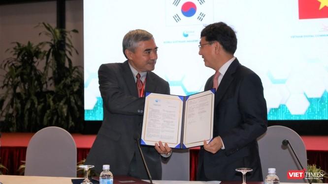 Hội Truyền thông số Việt Nam và Hiệp hội Phần mềm Hàn Quốc ký kết bản ghi nhớ thúc đẩy quan hệ hợp tác ảnh 1