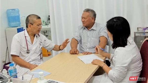 Hà Nội: Hàng trăm người dân đi khám bệnh mạch vành miễn phí ảnh 2