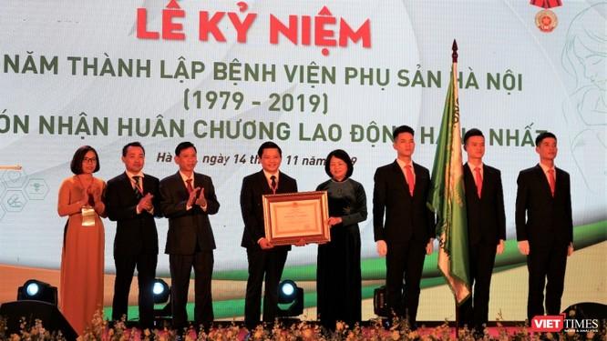 Bệnh viện Phụ sản Hà Nội nhận Huân chương Lao động hạng Nhất lần thứ hai ảnh 1
