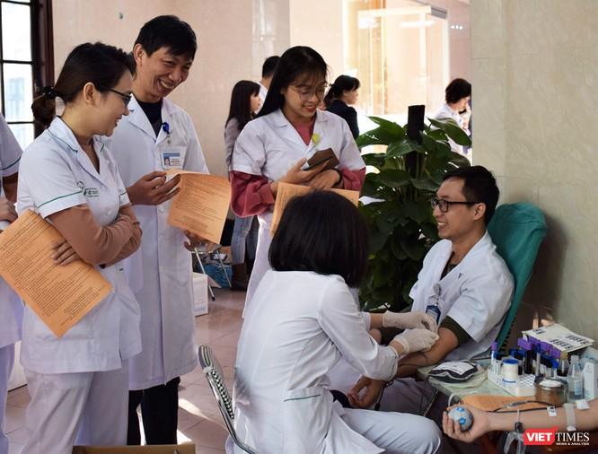 Bệnh viện Hữu nghị Việt Đức có thể thiếu hơn 10.000 đơn vị máu để cấp cứu bệnh nhân trong dịp Tết ảnh 10