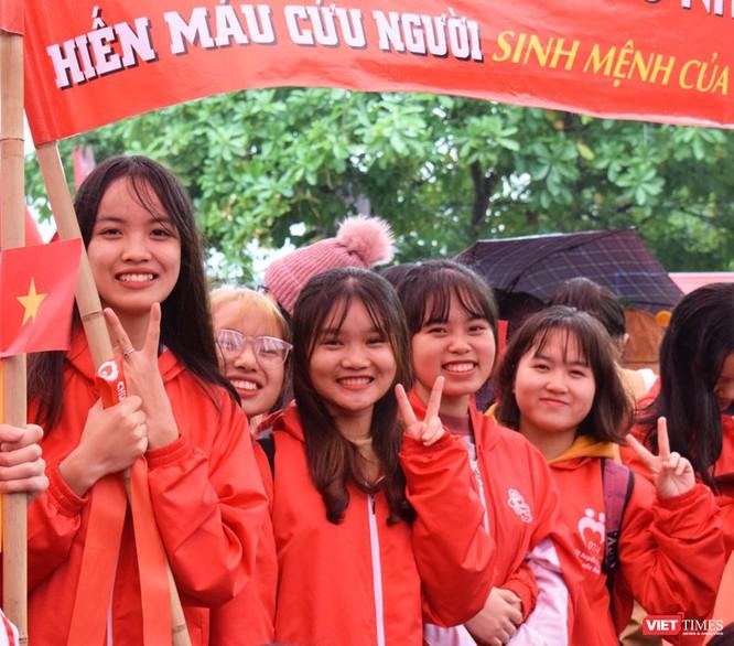Phó Thủ tướng Thường trực Chính phủ Trương Hòa Bình dự khai mạc ngày hội Chủ nhật Đỏ nhằm khắc phục tình trạng thiếu máu điều trị ảnh 10