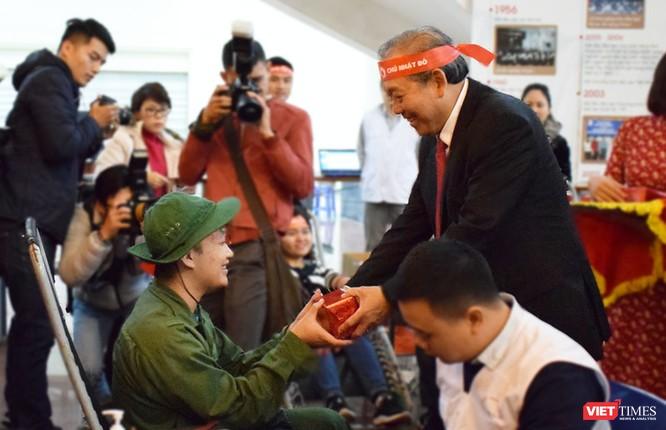 Phó Thủ tướng Thường trực Chính phủ Trương Hòa Bình dự khai mạc ngày hội Chủ nhật Đỏ nhằm khắc phục tình trạng thiếu máu điều trị ảnh 7