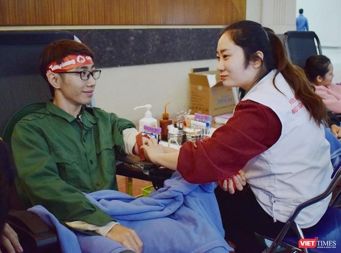 Phó Thủ tướng Thường trực Chính phủ Trương Hòa Bình dự khai mạc ngày hội Chủ nhật Đỏ nhằm khắc phục tình trạng thiếu máu điều trị ảnh 8